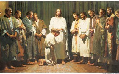 Должны ли церкви сегодня иметь двенадцать Апостолов?